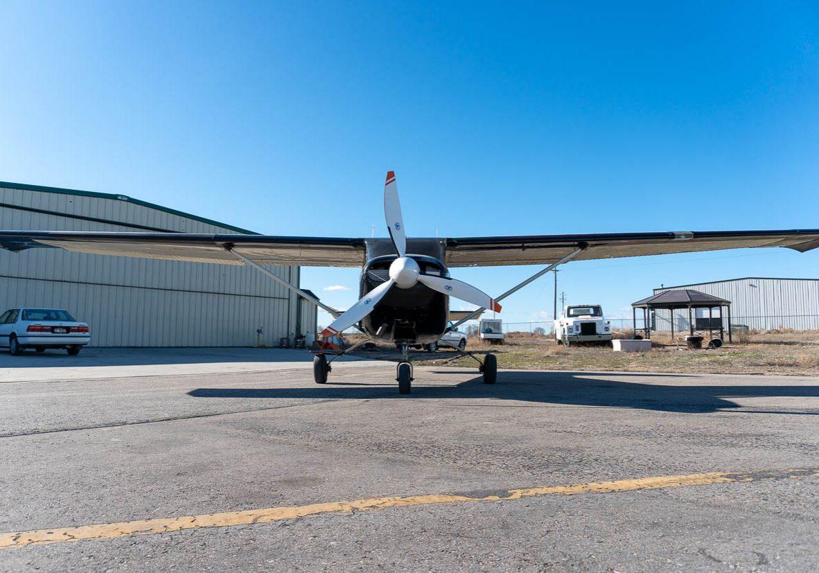 Cessna182-001